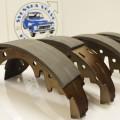 [:sv]ART.NR. 030071R  Bromsbackar bak 2 hjul 544/445/210 med Duo-Servo-bromsar