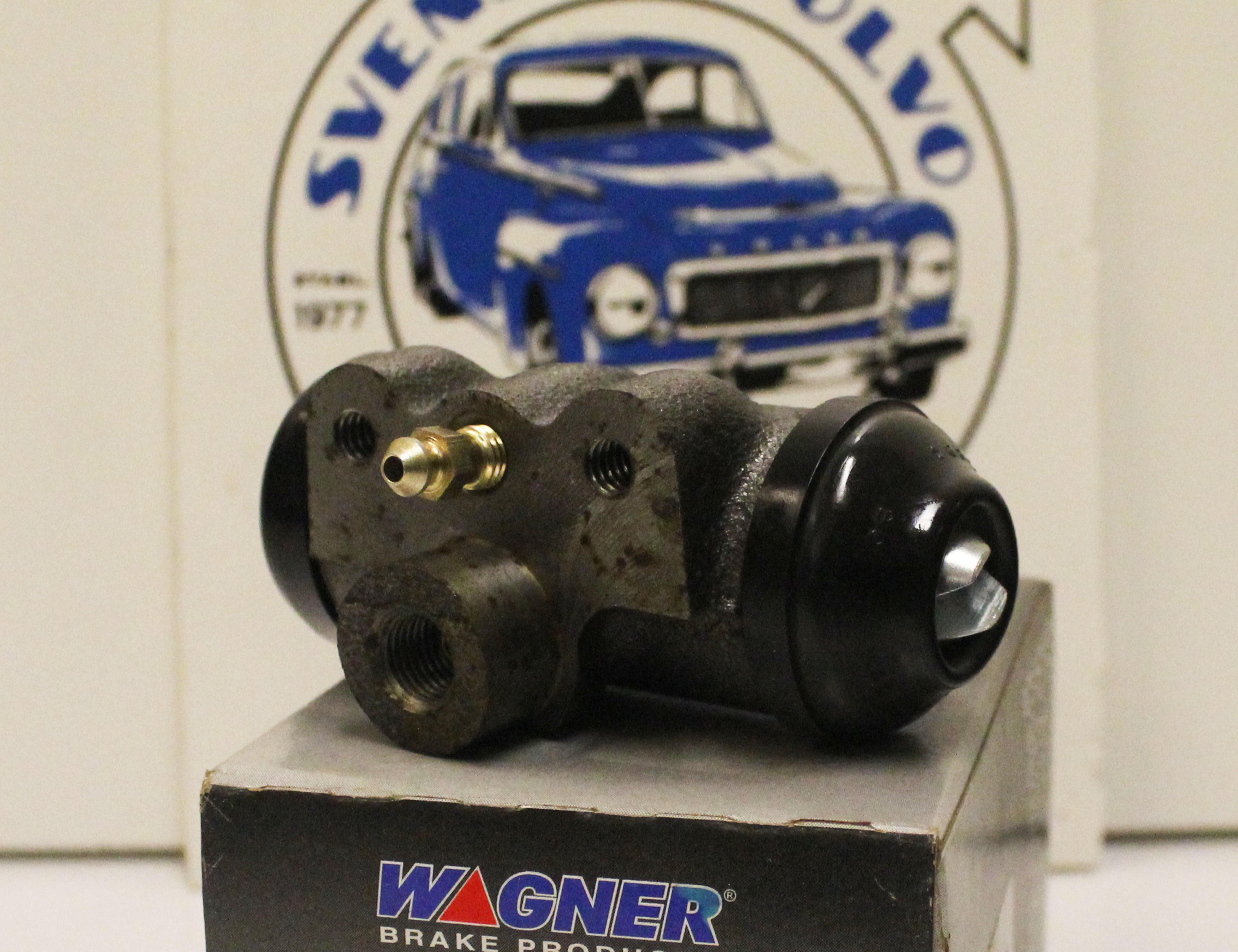 [:sv]ART.NR. 087451  Hjulcylinder bak till PV 444/445 samt 544 tidigt utförande (självjusterande)